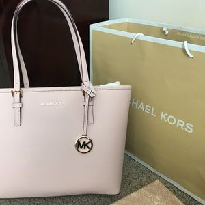 New!! Michael Kors Jet Set Tavel